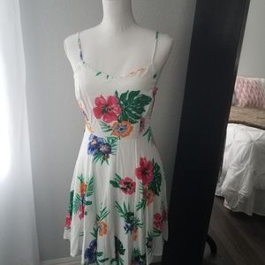 Cute Old Navy Summer Dress with adjustable straps